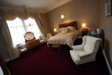 Queens Bedroom Suite